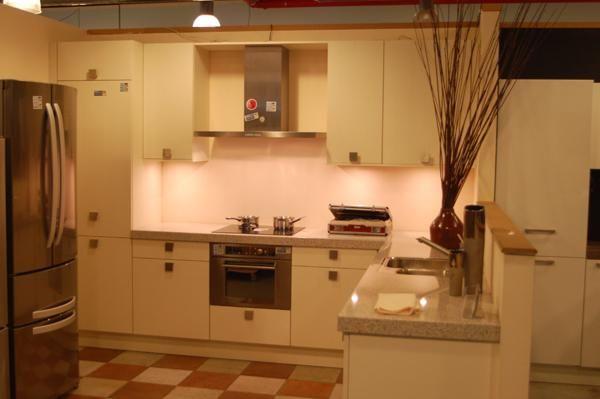Moderne Keuken Werkblad : moderne keuken verkocht kooinummer k123 ...