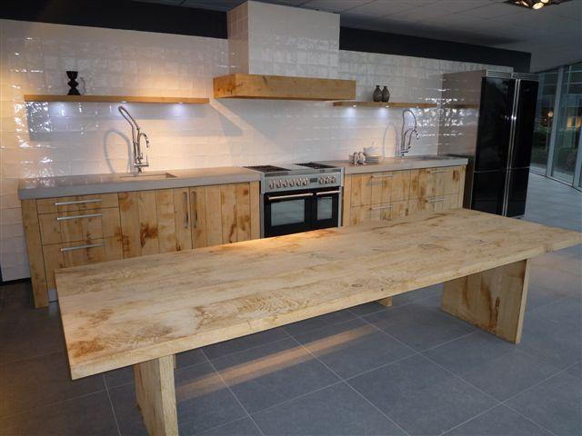 Ruw Eikenhout Keuken : massief eikenhouten keuken 26424 deze prachige keuken is uniek in z n