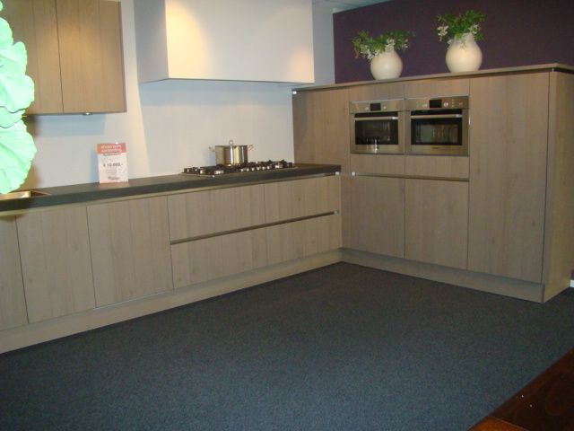 Keuken Greeploos Ikea : van Nederland! Greeploze fineer keuken in eiken platina [45589