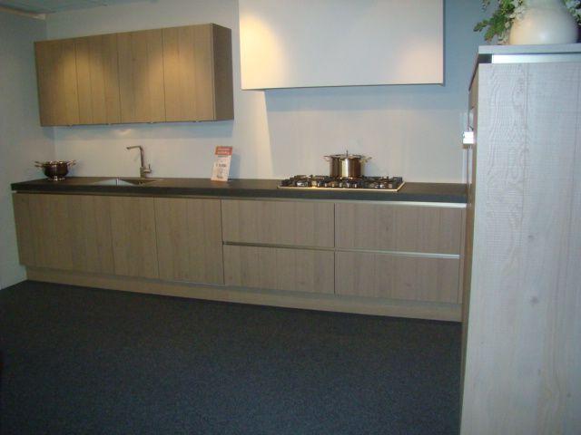 Keuken Eiken Fineer : van Nederland! Greeploze fineer keuken in eiken platina [45589