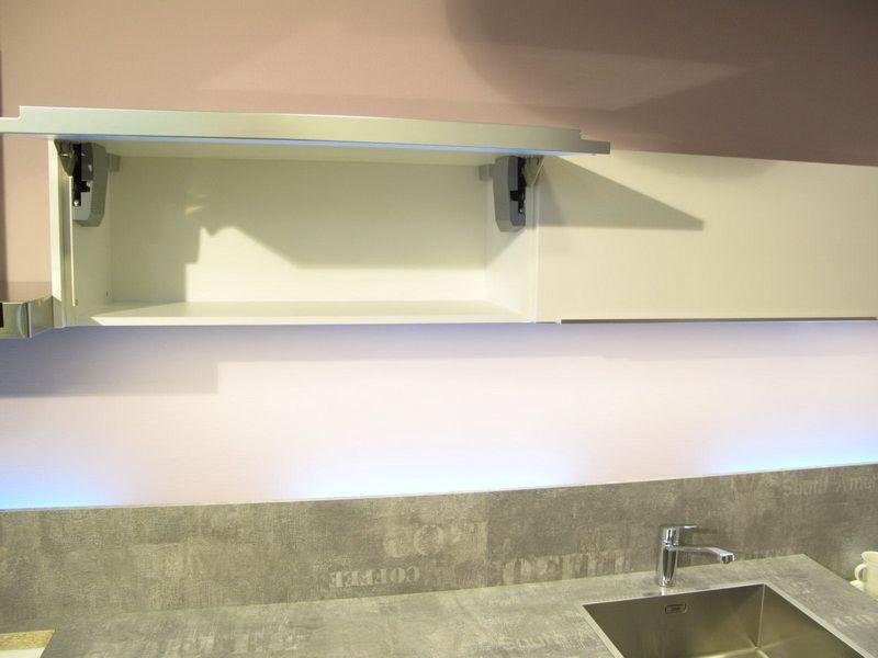 Greeploze Design Keukens : Showroomkorting.nl de voordeligste woonwinkel van nederland